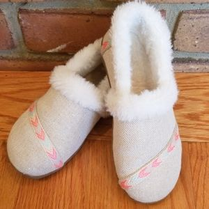 Toms bedroom slippers- Childs size 1